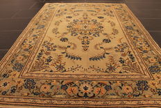 Magnificent hand-knotted Persian carpet Keshan Keschan cork wool Made in Iran, end of the 20th century 110x158cm