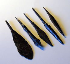 5 High-quality Medieval Crusaders age iron arrowheads - approx 8.1/6.2 cm - (5)