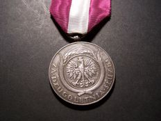 Pre WW2 Poland For Service 20 Years Army Medal 1918-1928 - Silver Hallmarked