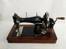 Antique sewing machine, Vesta with hood - 1920 Germany