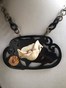 Bakelite and galalithe necklace in art deco style, signed Jaqueline Duval Paris