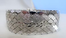 Very wide silver bracelet engraved with a floral pattern – 1970s