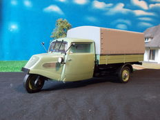 Minichamps - Schaal 1/18 - Tempo Hanseat truck with canopy 1950 / 1952