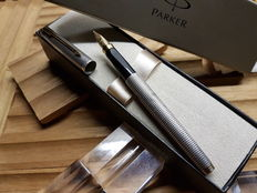 Parker 75 Sterling Silver Chiselled Fountain Pen