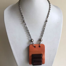 Art Deco necklace in galalith and bakelite