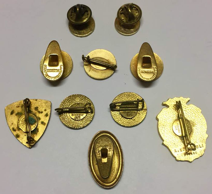 Italy - lot of 10 vintage enamel pins / badges - from 1930 - Catawiki