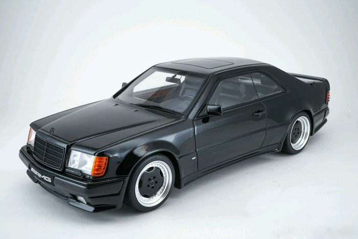 Otto Mobile   Scale 1/18   Mercedes Benz 300E AMG Coupe 6.0L