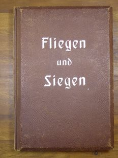 "Space pictures album / stereo picture album ""Fliegen und Siegen"""