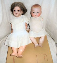 """Two baby dolls Armand Marseille """"my dream baby ' (342 and 351) and box with dolls clothes - Germany"""