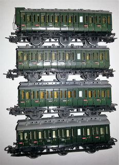 Märklin H0 - 4004/4005 - 4 compartment carriages of the DB