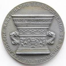 "The Netherlands – Historical medal  ""100 year anniversary of the Dutch Society for the promotion of Pharmacy"" – Bronze"