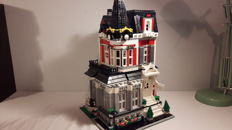 "MOC - ""Victorian House"""