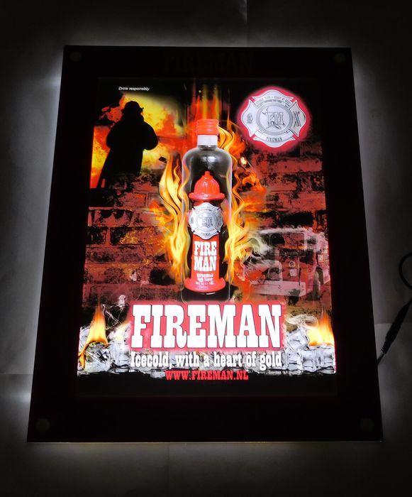 "Beautiful plastic ""Fireman Likeur"" / Illuminated advertising  / 2nd half of 20th century"