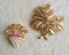 Beautiful Vintage MONET and CROWN TRIFARI Gold Tone Brooches