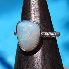 Australian Opal Ladies Ring
