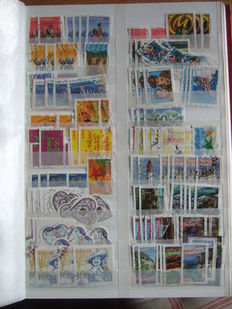 France 1983/2006 - collection of + 10.000 stamps with multiples classified by year in an album (with cachet to round date)