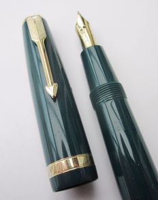 Vintage Parker duofold emerald green/GT fountain pen 14k nib