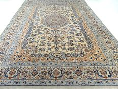 Nain - 393 x 288 cm - impressive,  large, Persian rug with silk - in mint condition.