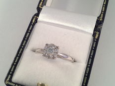 18 k white gold ring with diamonds, 0,36 ct in total - size 51
