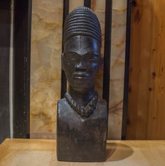 Wood carving, Africa 20th ct
