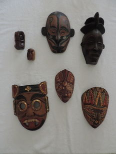 7 wooden masks from Asia, Oceania and Africa