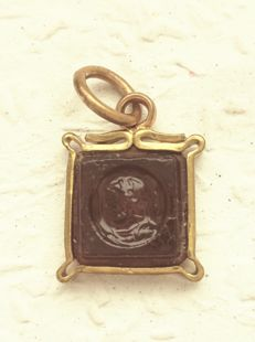 Intaglio or cameo made of carvel carnelian