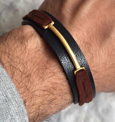 Leather bracelet with gold element 18kt leather strap