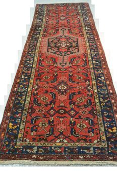 Cery beautiful Persian runner 283 x 104cm. Middle of the 20th century