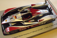 Spark - 1/18 scale - Audi R10 TDI Sport, winner of the 24h of Le Mans 2007