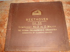 His Master's Voice Deluxe Album - Beethoven Symphony no. 2 in D Major - Vienna Philarmonic Orchestra-  Collection of  4 Shellac Records, c.a. 1930