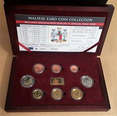 Malta. Official case BU 2008, 8 pieces and medal