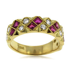 18kt Gold Diamond and synthetic Ruby Ring, As New