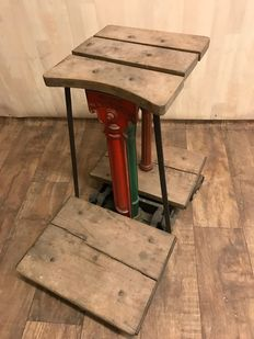 "Victorian ""W & T AVERY LTD"" - Class 2 sack scales - England - 19th century"