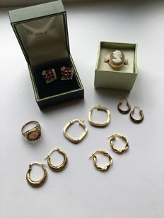 Nice lot of 9 karat gold items of jewellery