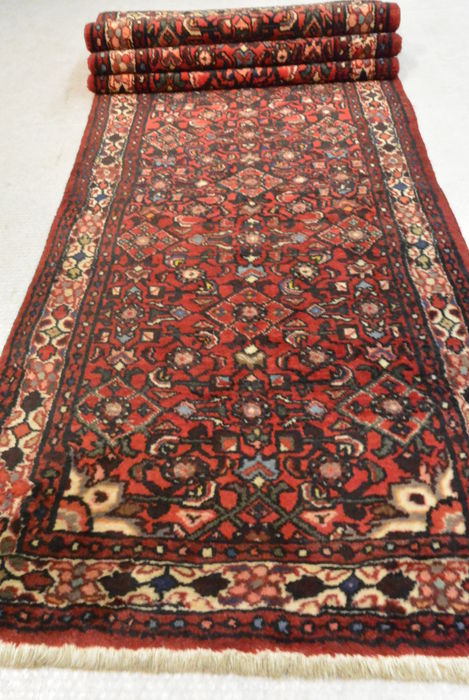Wonderful Persian runner  320 x 81cm, end of the 20th century