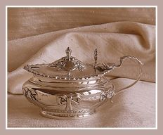 Sterling silver embossed mustard pot with glass liner, Deakin & Francis, Birmingham, 1897