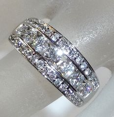 White gold flat diamond ring with approx. 1.35 ct Diamonds in brilliant cut in channel setting