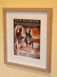 Bob Beamon - Olympic Games Mexico 1968 - World famous record long jump - Olympic gold - large original signed framed photo + COA