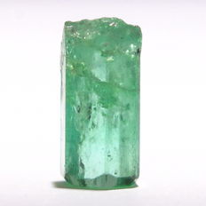 Emerald Crystal -  9.46 x 5.31 x 4.30 mm - 1.93Ct