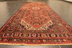 Antique hand-knotted Persian carpet, real Malayer rug, finest wool on cotton, plant dyes, 107 x 325 cm, made in Iran around 1960, excellent