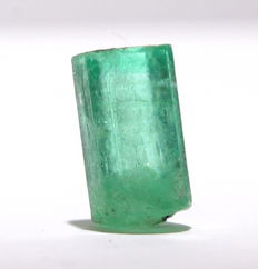 Emerald Crystal -  8.54 x 5.53 x 4.84 mm - 2.04Ct