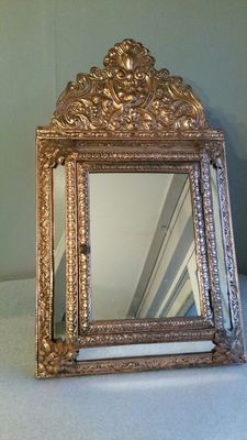 Brass? Brush and mirror cabinet incl. two brushes