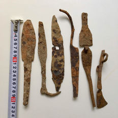 A small selection of Roman, Celtic and Medieval Iron knives.