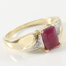 Estate 14kt Yellow Gold Ring  Set with Diamonds and Ruby