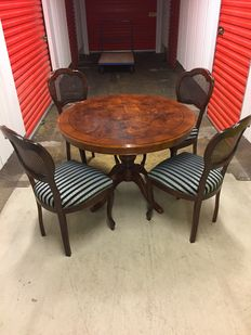 Beautiful extendable dining room table with four chairs, 20th century