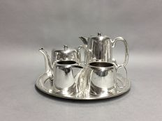 Silver plated tea- and coffee set on a serving tray, England, ca 1950