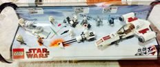 Star Wars - Display case with 8083 + 8084 + 8085 - Rebel Trooper Battle Pack + Snowtrooper Battle Pack + Freeco Speeder