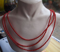 Precious coral necklace, 3 strands with a silver clasp