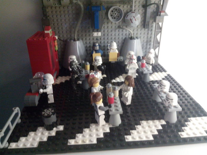 "MOC - Star Wars scenery - ""At the Emperial Coffee Corner"" + accessories + manuals"