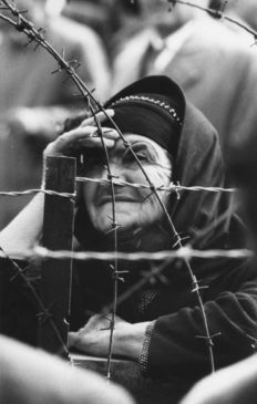 René Burri (1933-2014) - Magnum agency - Woman waiting for the release of her son from prison (political prisoners are granted amnesty) - Nicosia, Cyprus - 1959